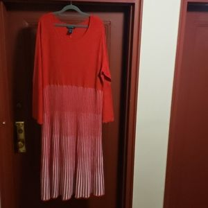 ASHRO LONG SLEEVE RED *WHITE DRESS SZ 2X